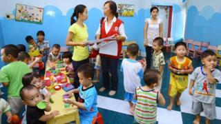 Giáo viên mầm non và tiểu học phải 'lao động cực nhọc', TS Vũ Thị Phương Anh nói