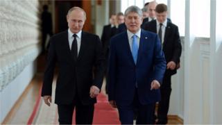 Орус эксперттери Путин менен Атамбаев ашкере көп жолугаарына көңүл бурушту