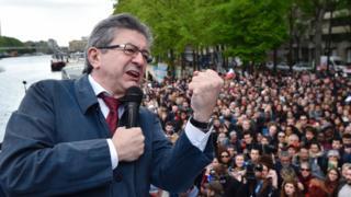 Mélenchon addresses Parisians from a barge, 17 Apr 17