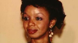 """Cette ex-épouse de l'ancien président libérien Charles Taylor est soupçonnée d'avoir """"intentionnellement infligé de graves douleurs ou souffrances à une personne dans l'exercice de ses fonctions officielles."""