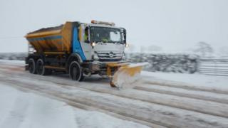 Снегоуборочная машина в Уэльсе
