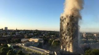 Un gestionnaire de logements étudiants a proposé d'héberger dans 21 studios des victimes sans abri de l'incendie de Grenfell Tower.