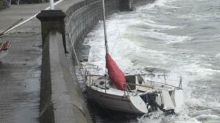 Yacht goes abroad in high winds