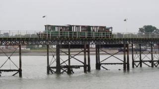 Hythe pier and train