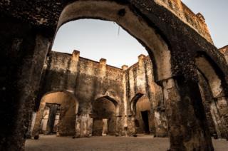 Crumbling Mtoni Palace