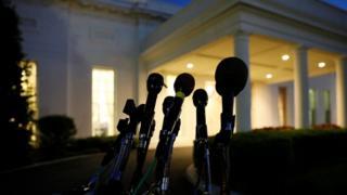 мікрофони поблизу Білого дому