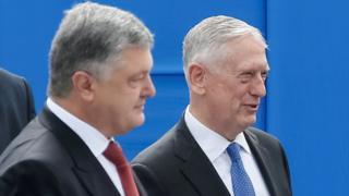 На военном параде в честь Дня независимости Украины присутствовал глава Пентагона Джеймс Мэттис