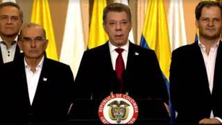 Juan Manuel Santos y su gabinete.