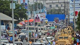 Barabara za Mogadishu mara nyingi zina magari mengi