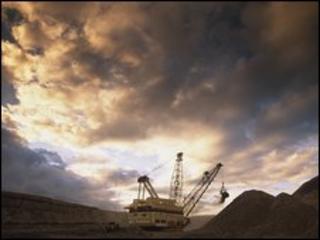 Drag line at Bulga thermal coal operation, Australia