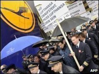 Pilots at Frankfurt airport