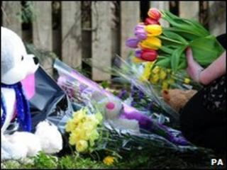 Floral tribute on Edale Way