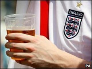 England fan drinking