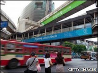 Traffic on Rachaprasong junction in Bangkok, Thailand (24 May 2010)