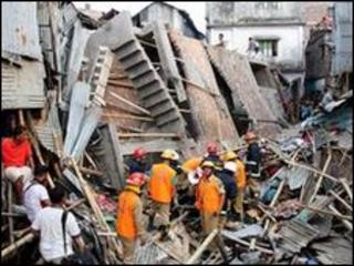 Site of the collapsed building in Dhaka