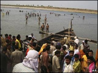 The site of the boat accident in Balia, Uttar Pradesg