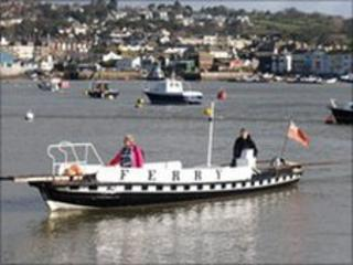 Teignmouth to Shaldon back up ferry
