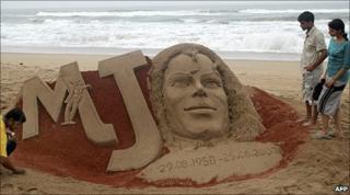Michael Jackson sand sculpture