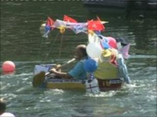 Tin bath race