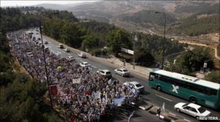 Israelis march near Jerusalem, 8 July