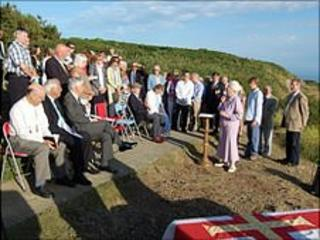 Commemorative stone unveiled for 'first commando'