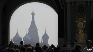 Smog from forest and peat bog fires can be seen on Red Square in central Moscow