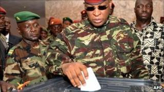 General Sekouba Konate casts his ballot on June 27, 2010