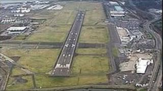 An inquiry is to be held into plans to extend the runway