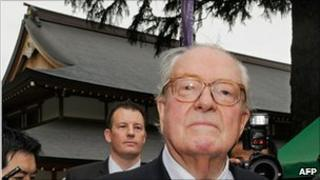 Jean-Marie Le Pen at Yasukuni shrine - 14 August 2010