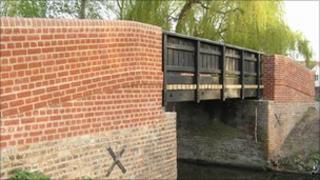 Hall Bridge