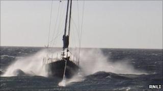 Yacht Happy Daze. Pic: RNLI