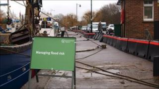Portable flood defences at Sandwich