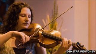 Manx fiddler Laura Rowles