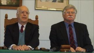 Seigneur Michael Beaumont (l) and Seneschal Lt Col Reg Guille