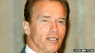 Arnold Schwarzenegger (C) on a visit to Asan, South Korea, on 15 September 2010