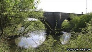 Skipton on Swale bridge