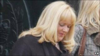 Tracy Dawber arriving at court