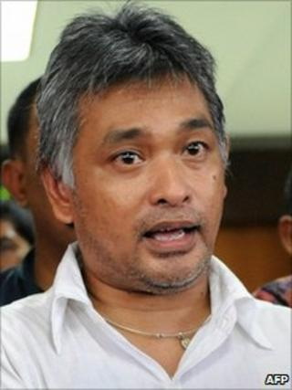Erwin Arnada before entering prison in Jakarta, 9 October 2010