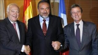 Miguel Angel Moratinos, Avigdor Lieberman and Bernard Kouchner in Jerusalem, 10 October