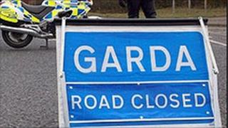 GArda road closed sign