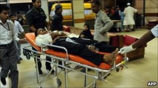 Victim of clash in Karachi on 17 October 2010 treated in hospital