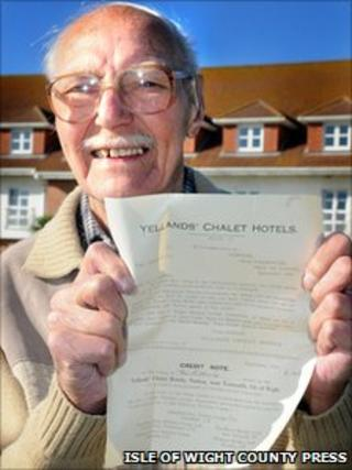 Les Townsend with his credit note outside hotel