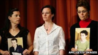 Cindy Hickey, Sarah Shourd and Laura Fattal, 19 Sept