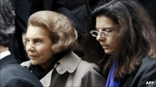Liliane Bettencourt (left) with her daughter Francoise Meyers-Bettencourt in Paris (July 2006)