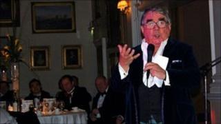 Ronnie Corbett entertaining guests at the Golf Marathon gala dinner