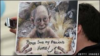 New Zealand Hobbit protestor