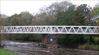 The White Bridge, Dalston