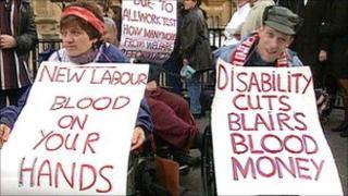 Protestors over welfare reform outside Parliament in 1999