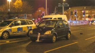 Anniesland crash (pic by Garry Cornes)