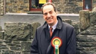 Kim Howells pictured campaigning in 1997